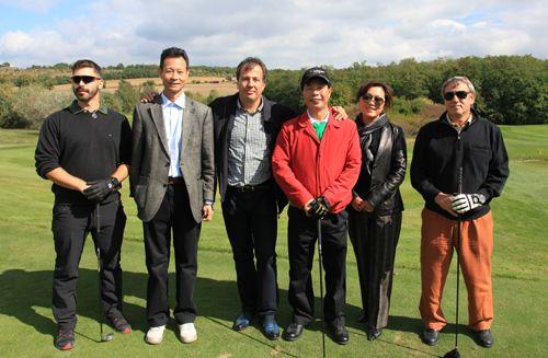 这从高尔夫球的英文单词golf可以看出来:g—绿色(green);o—氧气